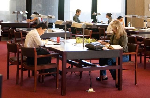 福特政府取消低收入家庭免费读大学计划