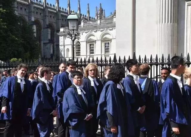 牛津剑桥中国留学生暴增,本国生降!英国不满