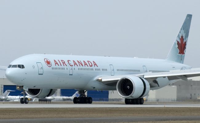 Air_Canada_777.jpg