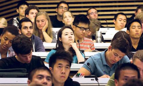 """加国读书无用?华裔""""移二代""""学历高收入却不高"""